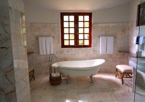 łazienki z kamienia naturalnego