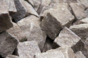 Czym wyróżnia się dobry dostawca kamienia naturalnego
