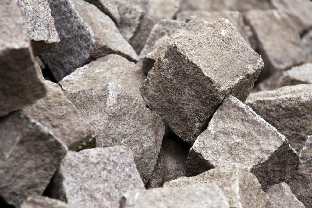 Kostka kamienna nie zawsze jest szara