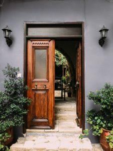 drzwi drewniane styl drzewa