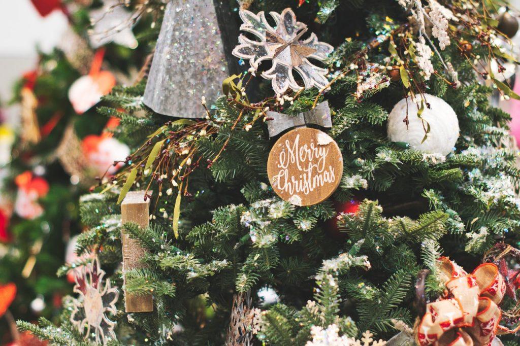 Wyjątkowy napis wesołych świąt.