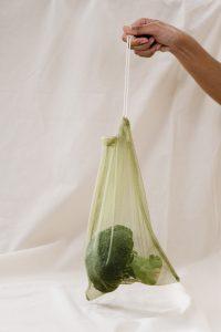 Niezbędne w domy woreczki na zakupy zero waste!